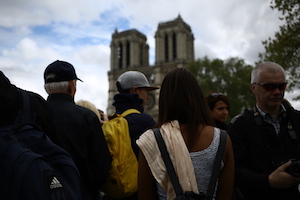 crowds outside Notre Dame after the fire 2019