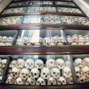 柬埔寨屠杀场博物馆-skeletons display Phnom Penh Choeung Ek killing field museum
