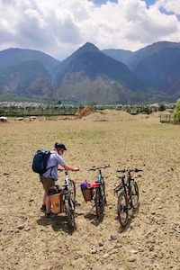 Dali Erhai lake Yunnan cycling