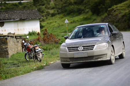 beetabonk driving in Ganze Tibetan region